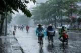 Dự báo thời tiết hôm nay: Miền Bắc mưa giông, miền Nam nắng nóng