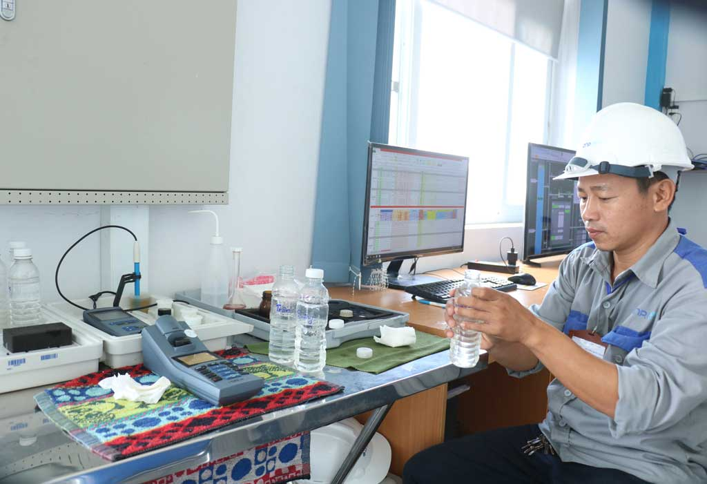 Nhi Thanh Water Plant's water meets the standards for clean water, ensuring the supply of domestic water as well as local production