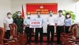 UB.MTTQVN tỉnh Long An tiếp nhận tiền hỗ trợ phòng, chống dịch Covid-19 và hạn, mặn