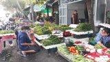 Chợ, siêu thị hoạt động nhưng vẫn thực hiện nghiêm Chỉ thị 16/CT-TTg