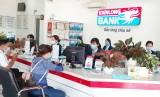 Kienlongbank giảm lãi suất vay 3% cho khách hàng bị ảnh hưởng hạn, mặn