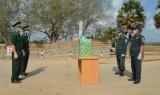 BĐBP tỉnh Long An tặng 5.000 khẩu trang y tế cho công an 2 tỉnh Prey Veng và Svey Rieng