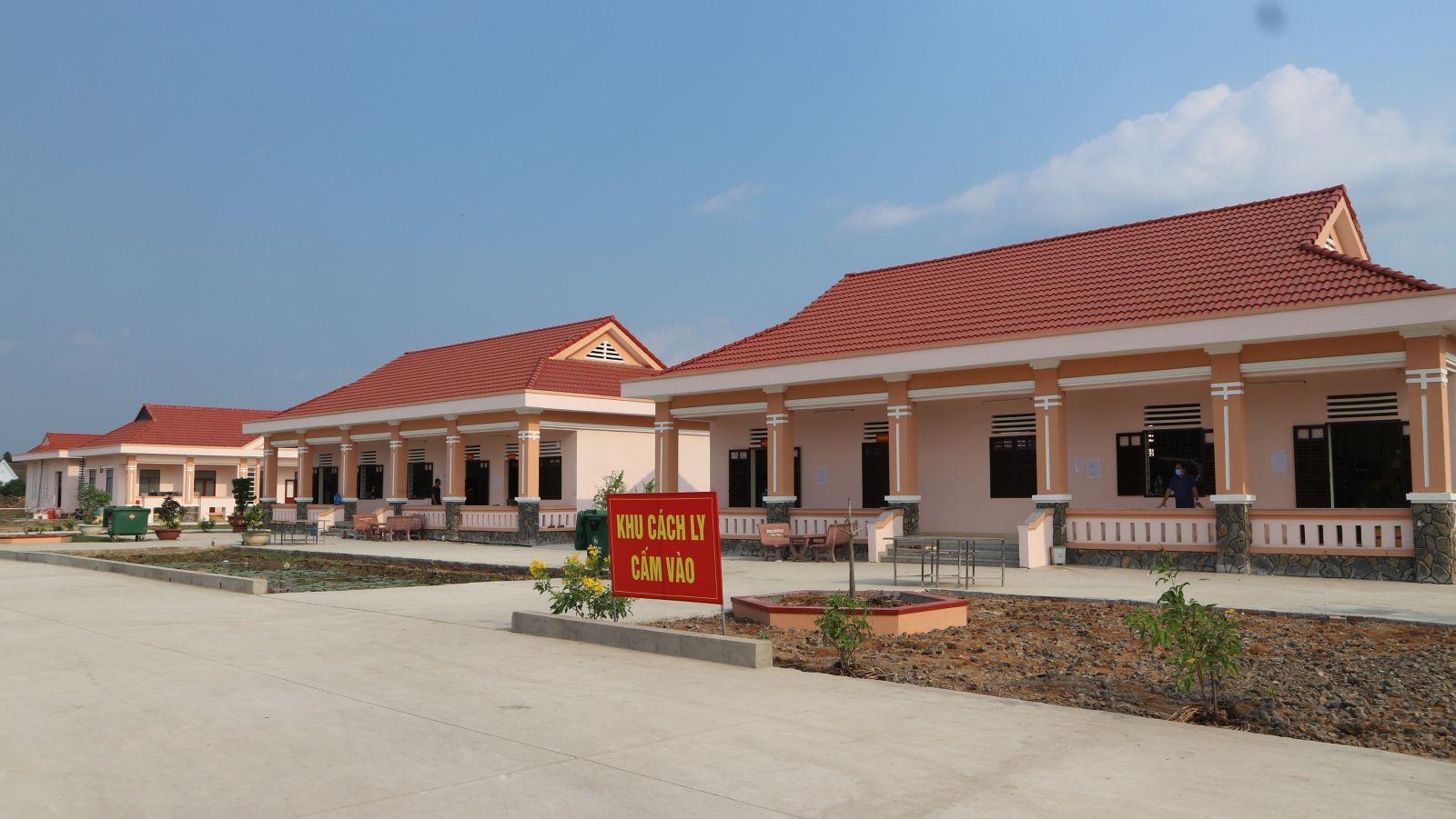 Khu vực cách ly tại cơ sở cách ly số 2 (huyện Mộc Hóa)
