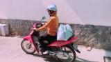 Hội LHPNVN tỉnh Long An vận động khoảng 10.000 khẩu trang vải tặng Campuchia