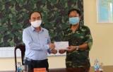 Hỗ trợ 80 triệu đồng cho các chốt biên phòng trên địa bàn Mộc Hóa, Kiến Tường