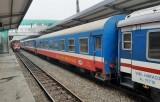 Đường sắt vẫn ''còng lưng'' chạy tàu an sinh dù chưa có kinh phí