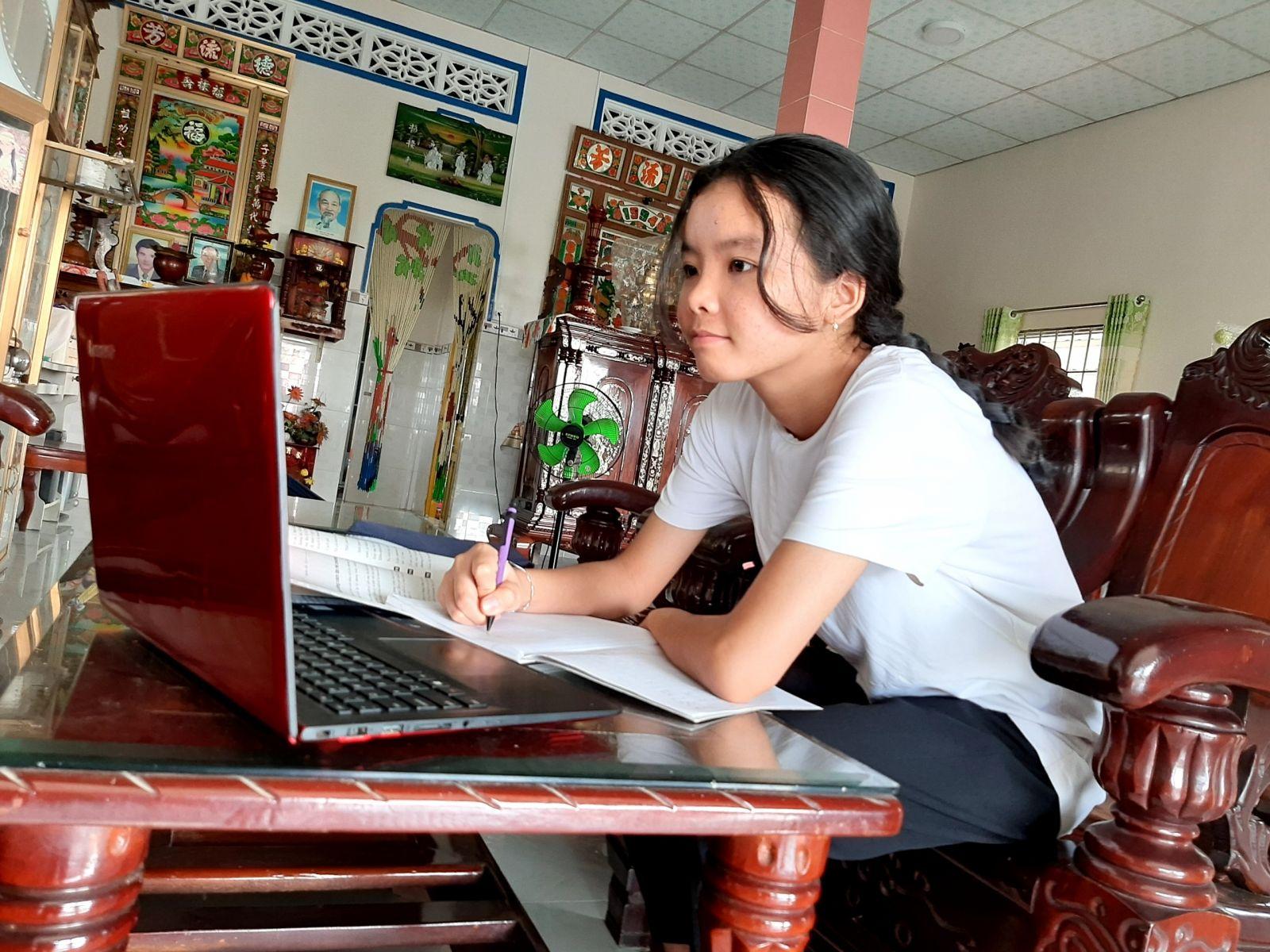 Trần Huỳnh Bảo Trân tự học mỗi ngày