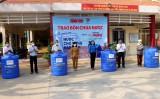 Tỉnh đoàn Long An, Báo Tuổi Trẻ trao 200 bồn chứa nước cho hộ khó khăn