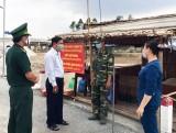Kiến Tường: Thăm, động viên lực lượng phòng, chống dịch bệnh Covid-19 tại biên giới