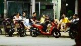 TP. Tân An: Nhiều người vẫn ra đường dù còn trong thời gian cách ly xã hội