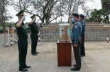 Bộ đội Biên phòng Long An hỗ trợ vật tư y tế cho lực lượng Hiến binh Svay Rieng, Campuchia
