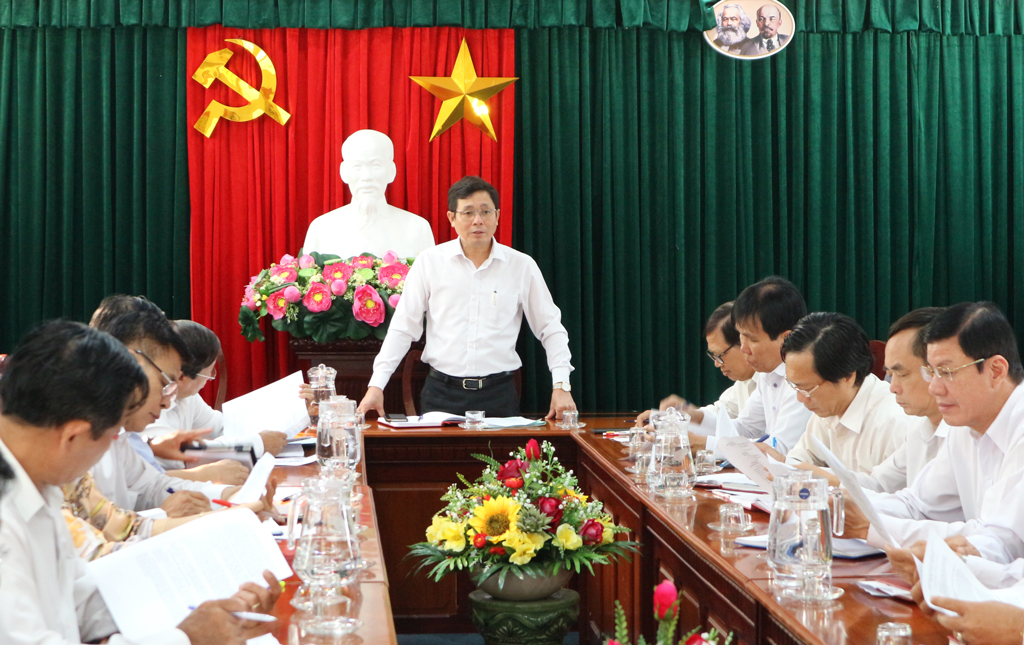Previously, in March 2020, the Standing Committee of Long An People's Council met with delegate teams to prepare for the 19th meeting