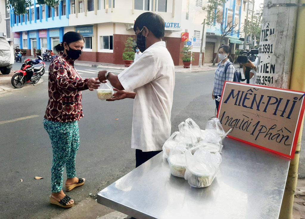 Phát cho người nghèo