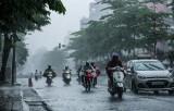 Đêm 20/4, Trung Bộ, Nam Bộ tiếp tục có mưa dông kèm lốc xoáy