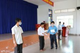 LĐLĐ Long An trao tiền hỗ trợ công nhân, viên chức, lao động bị ảnh hưởng xâm nhập mặn ở Tân Trụ