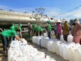 Mang gần 300 khối nước đến cho người dân vùng hạn