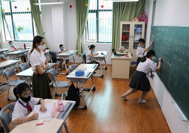 Thủ tướng đồng ý bỏ quy định về giãn cách trong trường học. (Ảnh: Thanh Tùng/TTXVN)