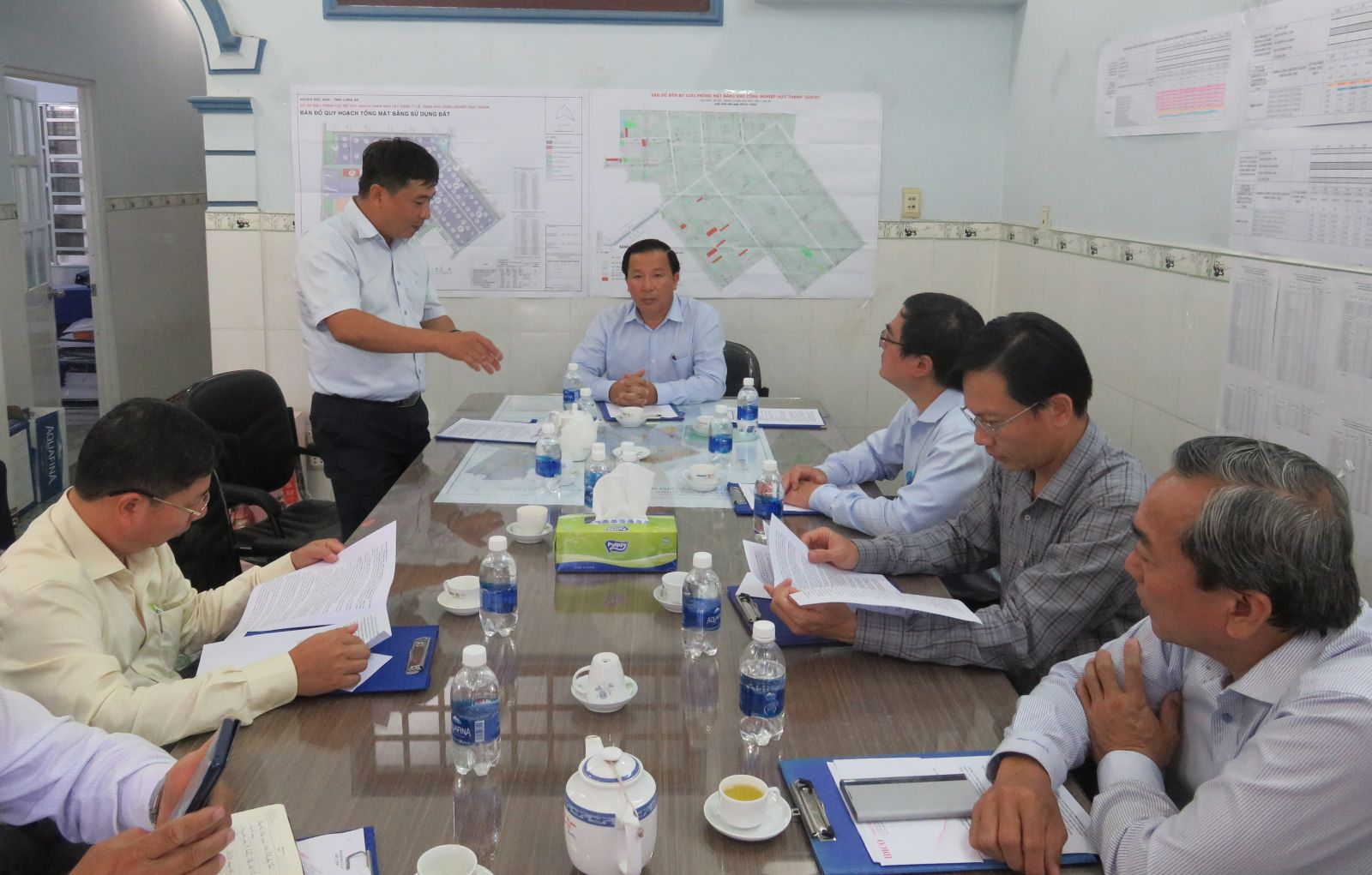 Vice Chairman of Long An People's Committee - Nguyen Van Ut checks the progress of investment in IDICO Industrial Park in Huu Thanh commune, Duc Hoa district