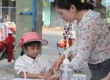 Long An: Trẻ mầm non, học sinh tiểu học trở lại trường