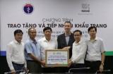 Bộ Y tế tiếp nhận 88.000 khẩu trang để phòng chống COVID-19