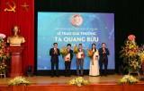 Vinh danh các cá nhân tại lễ kỷ niệm Ngày Khoa học Công nghệ Việt Nam