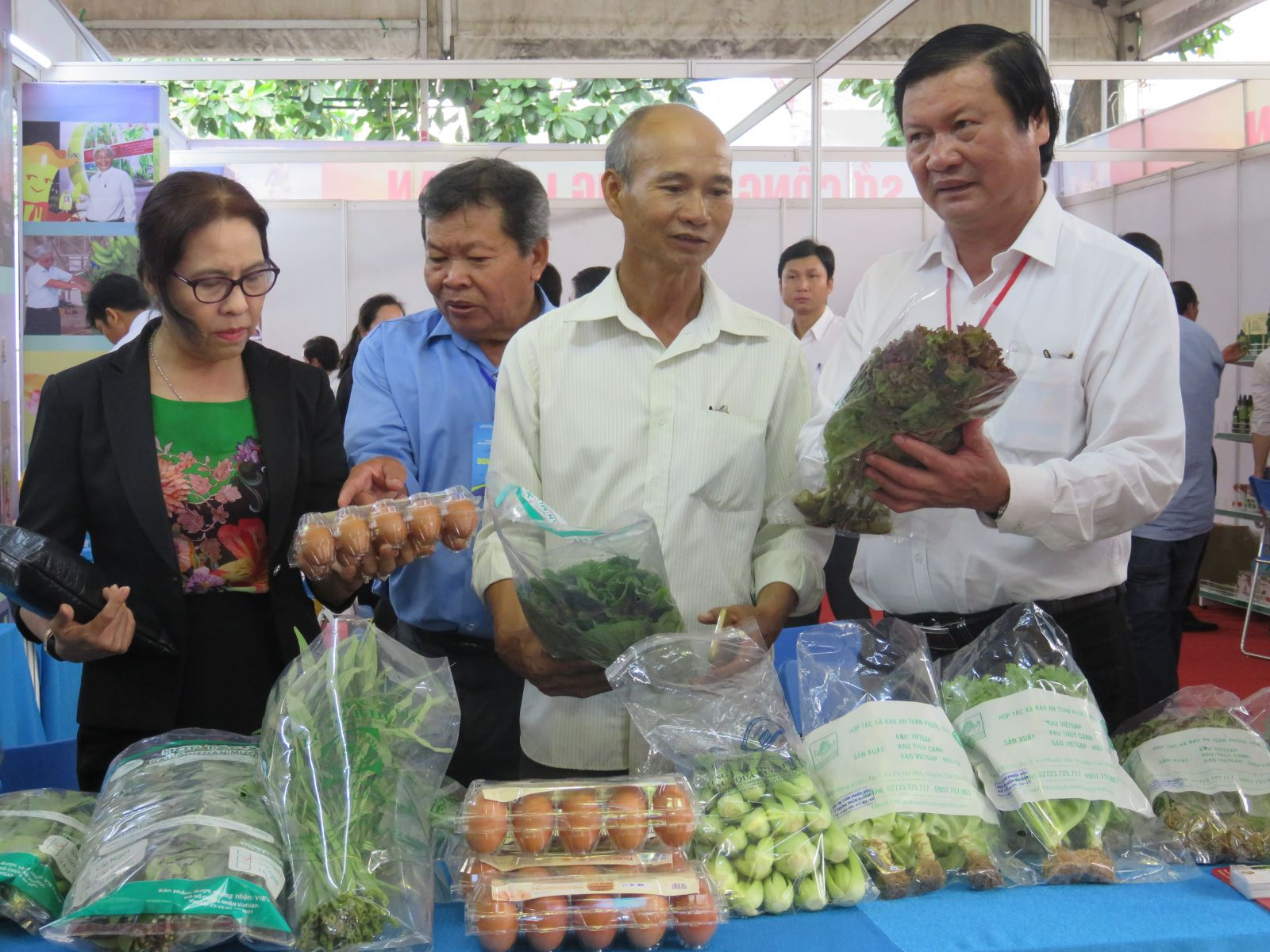 Trade Promotion Program 2019 organized by the Department of Industry and Trade for cooperatives to promote and introduce agricultural products in Ho Chi Minh city