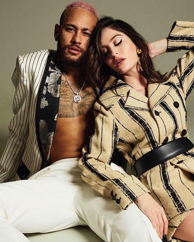 Neymar và Natalia Barulich vẫn đang trong giai đoạn mới yêu ngọt ngào