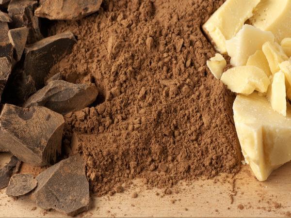 Bột ca-cao: Hãy dưỡng ẩm da vùng sẹo bằng bột ca-cao để ngăn sản sinh collagen vùng sẹo, nhờ đó làm mờ vết sẹo.