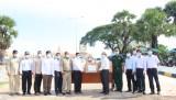 Sở Y tế Long An trao tặng vật tư y tế phòng, chống dịch Covid-19 cho nước bạn Campuchia