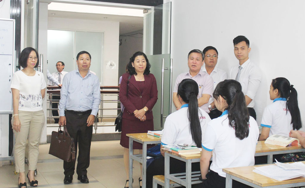The Department of Labor, War Invalids and Social Affairs visit the Tracodi Labor Export Joint Stock Company