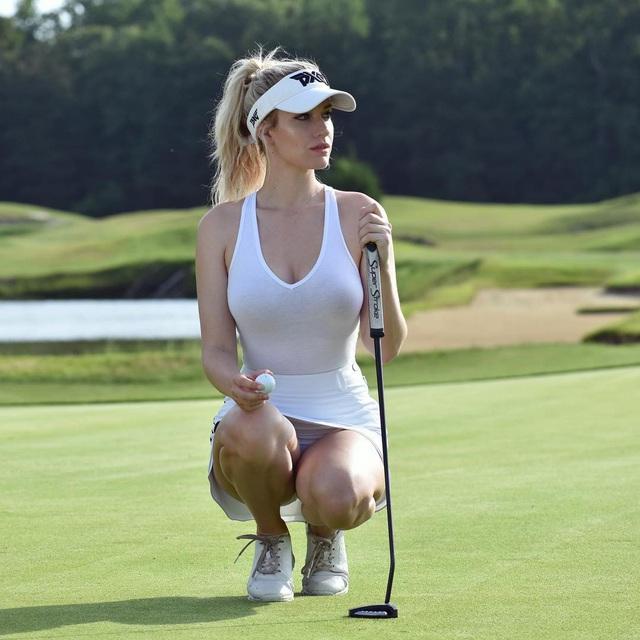 Paige Spiranac sớm đã là một cái tên nổi tiếng trong làng đấu golf