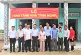Đại biểu Quốc hội - Hoàng Văn Liên trao 5 căn nhà tình nghĩa, đại đoàn kết tại huyện Tân Thạnh