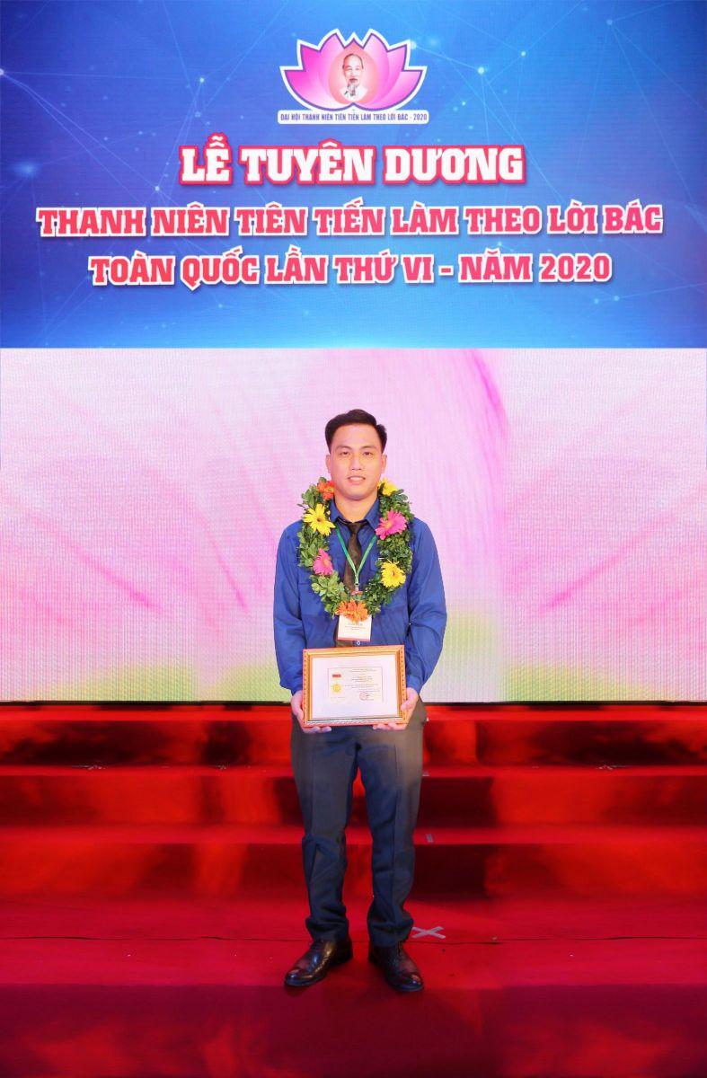 Lê Văn Thuận xứng đáng là gương thanh niên tiêu biểu vừa được Trung ương Đoàn biểu dương với thành tích xuất sắc về học tập, làm theo tư tưởng, đạo đức, phong cách Hồ Chí Minh