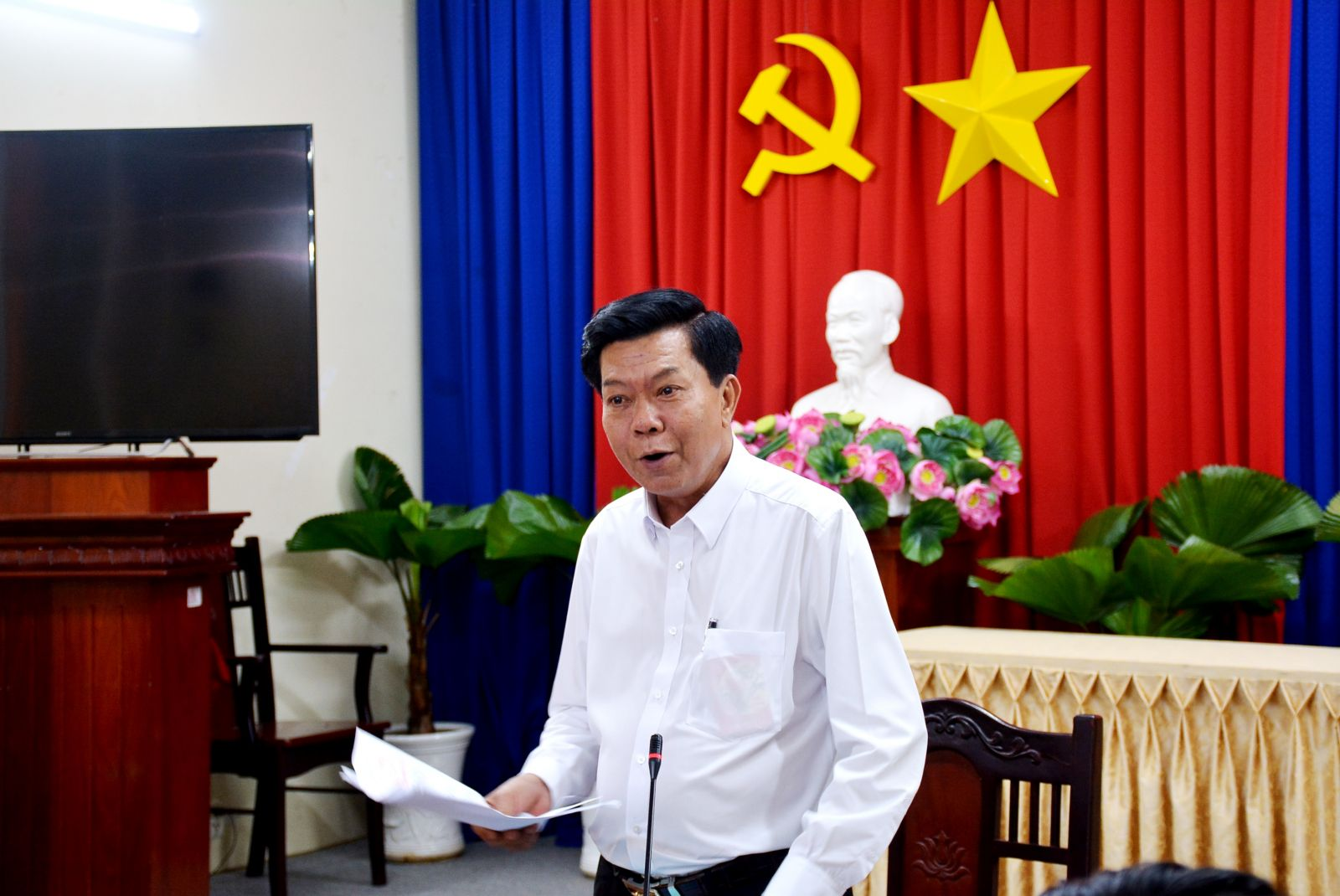 Chairman of the Provincial People's Committee, Head of the Provincial Steering Committee 389 - Tran Van Can recognizes and praises the achievements and efforts of the forces in the prevention and combat of smuggling and trade fraud