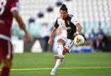 Ronaldo ghi bàn trận thứ tư liên tiếp, Juventus thắng đậm Torino