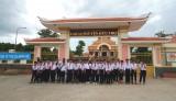 Đảng bộ và nhân dân Bến Lức học tập, làm theo tấm gương đồng chí Nguyễn Hữu Thọ