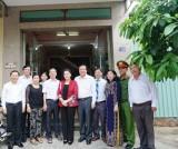 Chủ tịch Quốc hội - Nguyễn Thị Kim Ngân thăm, tặng quà người có công với cách mạng tại Long An