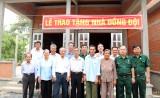 Hội Cựu chiến binh Khối Liên cơ tỉnh Long An  trao nhà đồng đội tại Tân Trụ