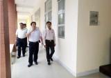 Phó Chủ tịch UBND tỉnh Long An – Nguyễn Văn Út kiểm tra chuẩn bị kỳ thi tốt nghiệp THPT tại Đức Hòa