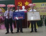 Tân Bửu đón nhận danh hiệu xã nông thôn mới