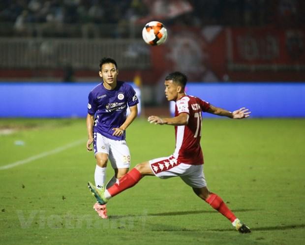 TP.HCM và Hà Nội FC cống hiến trận đấu hấp dẫn ở vòng 11 V-League 2020 dù kết quả chung cuộc là 3-0 nghiêng về đội khách. (Ảnh: Nam An/Vietnam+)