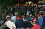 Long An: Nhóm người bị vây bắt giao công an sau khi nghe hô hoán bắt cóc trẻ em