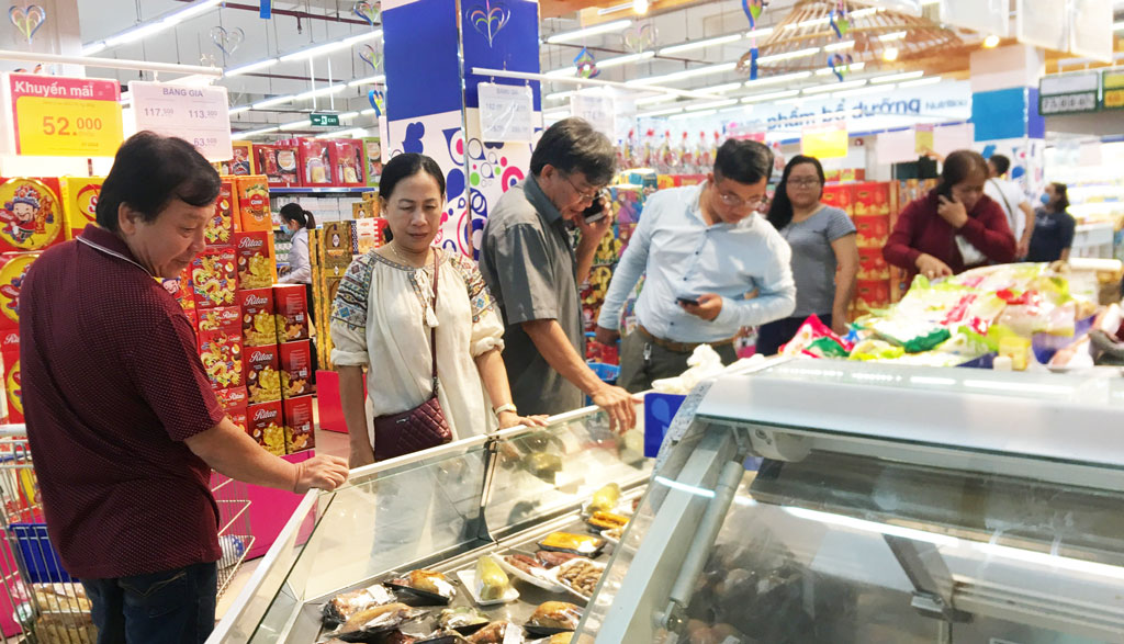 Food and food services decreased by 0.23 percent (Photo: Pham Ngan)