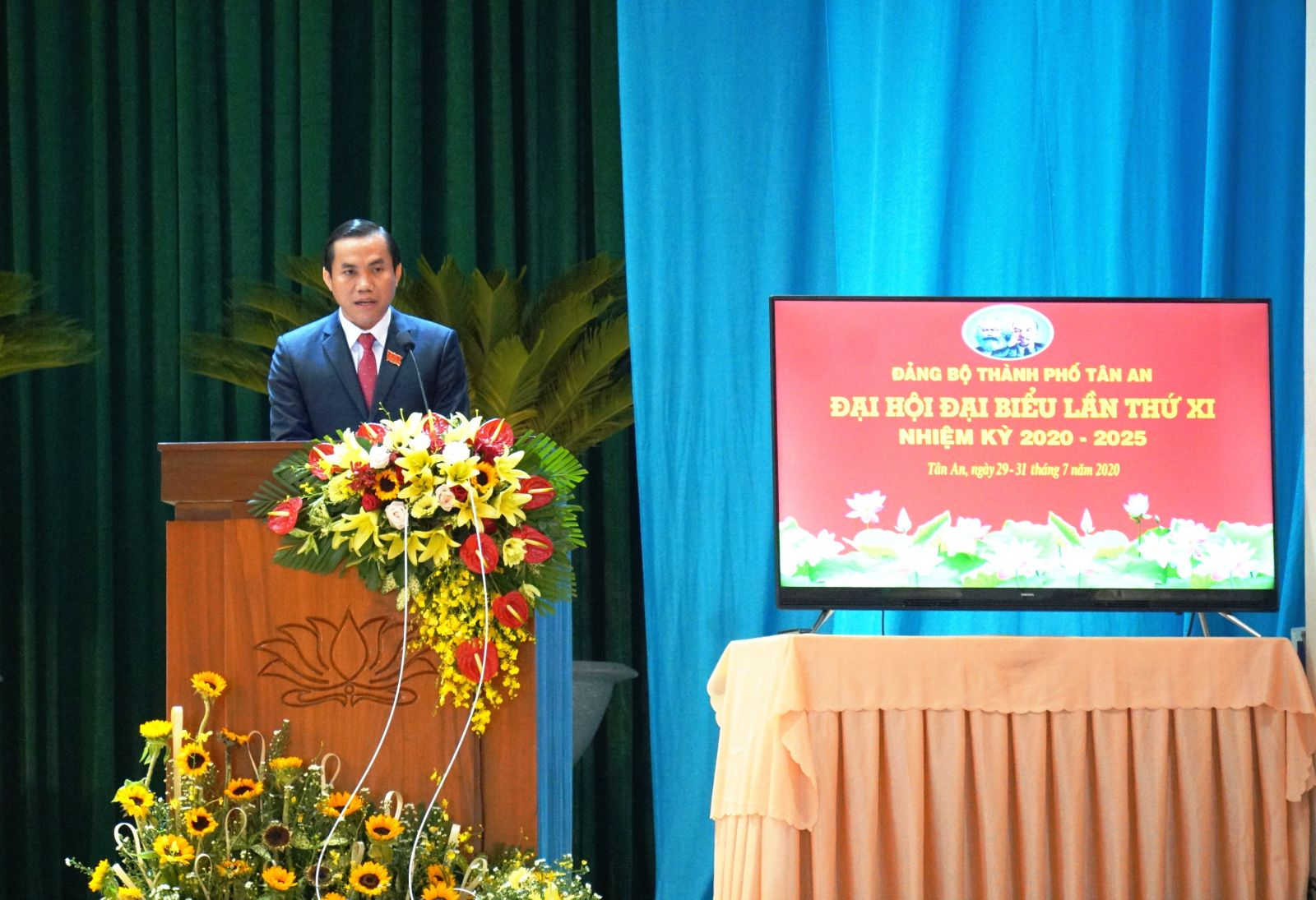 Mr. Le Cong Dinh said that the city identified 2 breakthrough programs and 3 key projects during the new term