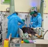 Các chuyên gia tiếp tục hội chẩn các ca bệnh COVID-19 nặng
