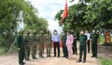 Phó Chủ tịch UBND tỉnh Long An kiểm tra công tác phòng, chống dịch Covid-19 tại khu vực biên giới