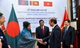 Trao vật tư y tế hỗ trợ Bangladesh và Sri Lanka chống dịch Covid-19