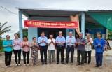 Tân Thạnh: Trao tặng nhà tình nghĩa cho gia đình liệt sĩ Lương Văn Hết