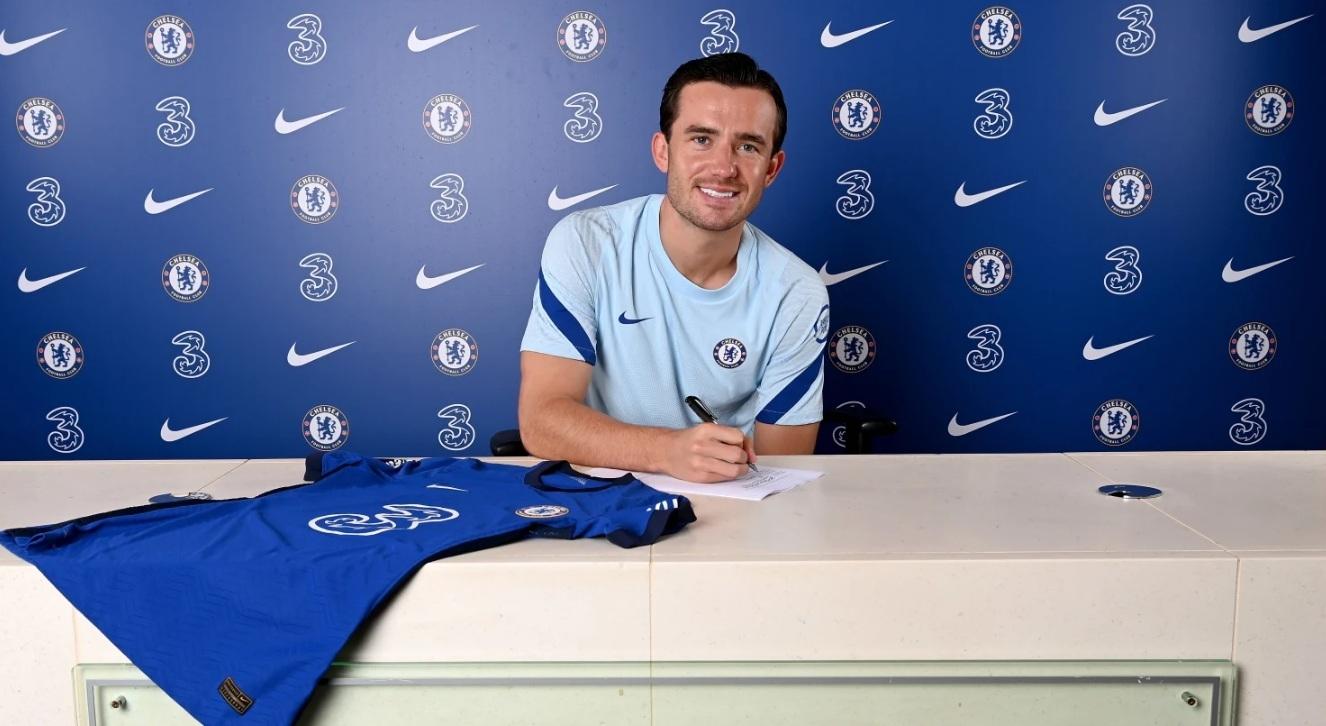 Ben Chilwell đặt bút ký vào bản hợp đồng 5 năm với Chelsea