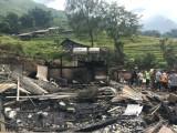 Lào Cai: Cháy lớn trong đêm thiêu rụi 3 căn nhà, 1 người mất tích